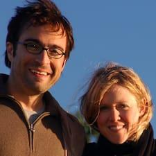 Michelle & Devon — хозяин.
