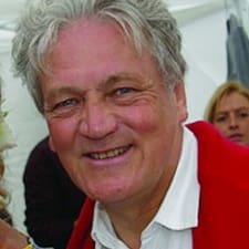 Jean-François je domaćin.