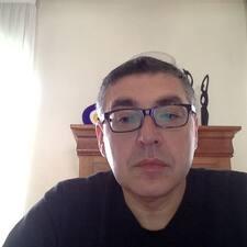 Lazare felhasználói profilja