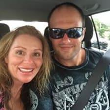 Danna And Jason is een SuperHost.