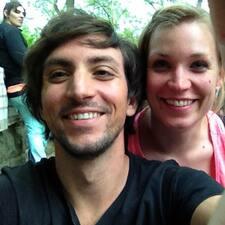 โพรไฟล์ผู้ใช้ Luis & Joanna