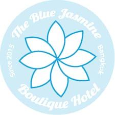Blue Jasmine Hostel是房东。