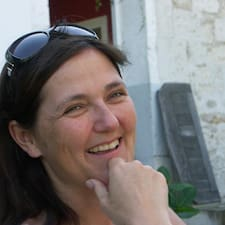 Hélène ist der Gastgeber.