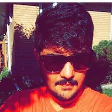 Arjun je domaćin.