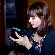 โพรไฟล์ผู้ใช้ Adriana