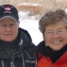 Kathy And Doug ist der Gastgeber.
