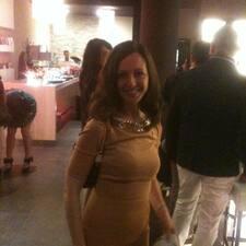 Profil Pengguna Valeria