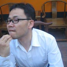 Jae Hoon is the host.