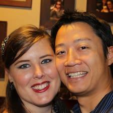 Greg & Amanda es el anfitrión.