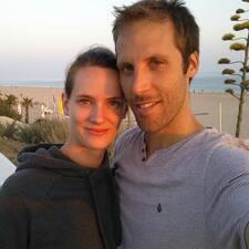 Lisa & Julien User Profile