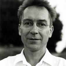 Hansjörg è l'host.