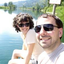 โพรไฟล์ผู้ใช้ Genevieve & Matt