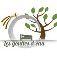 Les Gouttes D'Eau is the host.