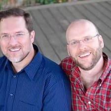 โพรไฟล์ผู้ใช้ Glenn & Jon