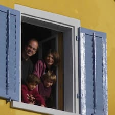 โพรไฟล์ผู้ใช้ Familie Stefan Und Alexandra