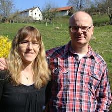 Profil Pengguna Roger + Elisabeth