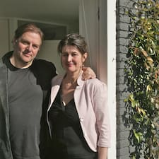 Rene & Ellen是房东。