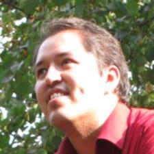 Raúl User Profile