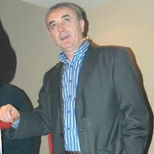 Miroslav — хозяин.