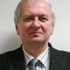 Stanislav est l'hôte.