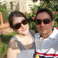 โพรไฟล์ผู้ใช้ Carly & Edgardo