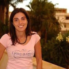 Alessandra是房东。