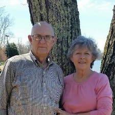 Profil korisnika Larry And Elizabeth