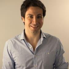 Adrián用戶個人資料