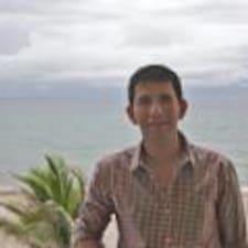 Juan Mauricio is the host.