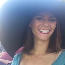 Profil korisnika Carolynn