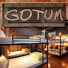 Gotum Hostel & est l'hôte.