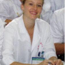 Sarah De Jallad is the host.