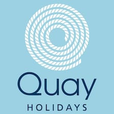 Quay Holidays — хозяин.