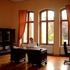 Dein Team Vom Schloss Neetzow adalah tuan rumahnya.