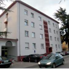 โพรไฟล์ผู้ใช้ Student Dorm/Hostel Presta
