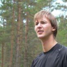 Kristjan-Olari è l'host.