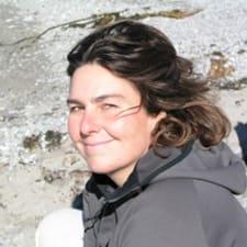 โพรไฟล์ผู้ใช้ Louise-Andrée