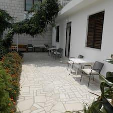 โพรไฟล์ผู้ใช้ Apartments Dijana
