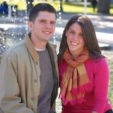 โพรไฟล์ผู้ใช้ Rob And Emily