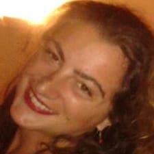 Simona的用戶個人資料