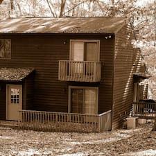 Inn2thewoods是房东。
