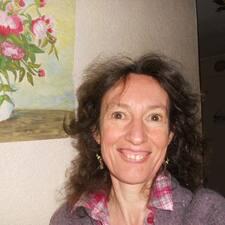 Manuella Bénédicte User Profile