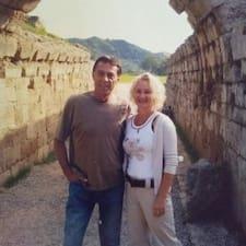 Nutzerprofil von George And Jennifer