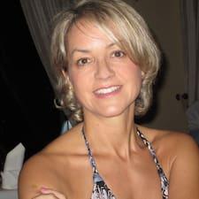 โพรไฟล์ผู้ใช้ Susanne Elfriede
