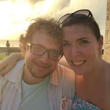 โพรไฟล์ผู้ใช้ Alex & Rachel