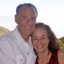 Chuck And Sara