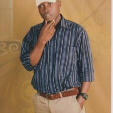 Bakka Kenneth è l'host.