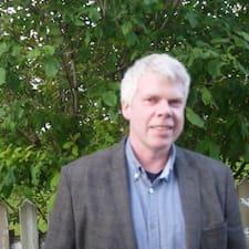 Jón Benjamín is the host.