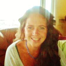 Profil Pengguna Sharyn