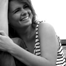 Profil Pengguna Anne Francoise